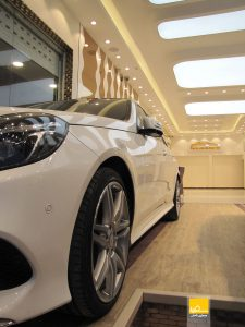 دکوراسیون داخلی نمایشگاه خودرو اتوگلدن